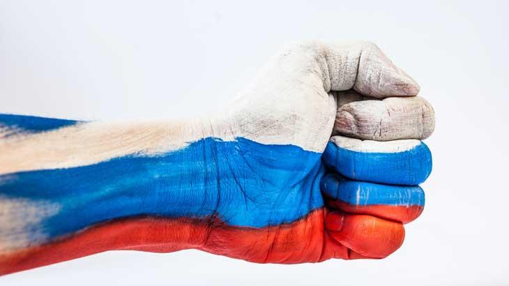 6月の誕生石のひとつとされることもあるアレキサンドライトが採掘されたロシアの国旗の色