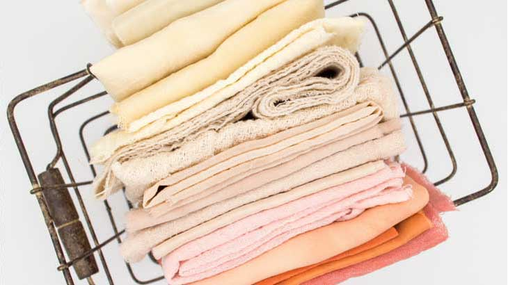 Clean-with-a-soft-cloth