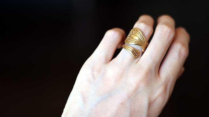 brass ring wearing pic