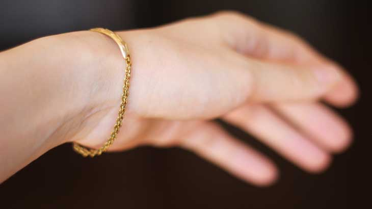 wearing-photo-of-brass-accessories
