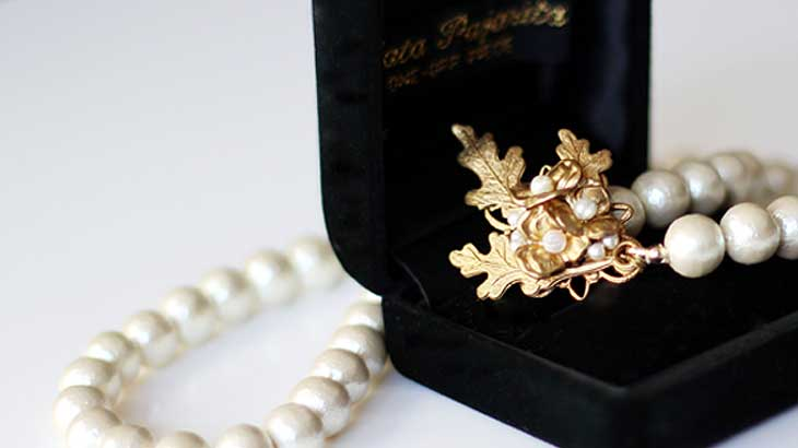 Is-it-okay-to-use-cotton-pearls-for-graduation-and-entrance-ceremonies2