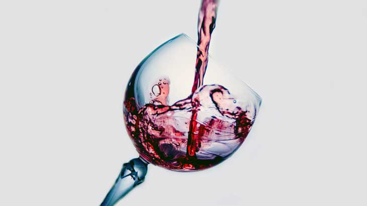 Image-photo-of-pouring-wine