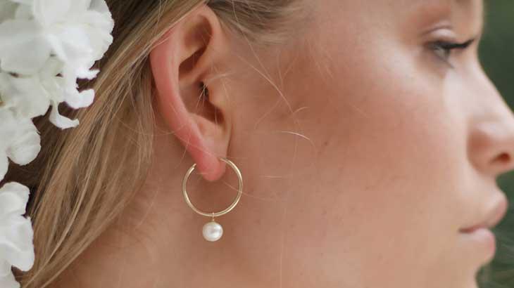Woman-wearing-piercing