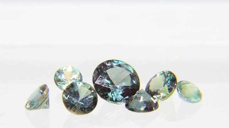 Photograph-of-the-June-birthstone-alexandrite