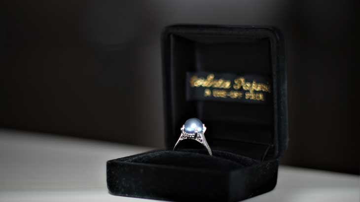 Pearl ring photo