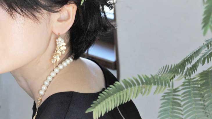 Image-photo-of-pierced-earrings